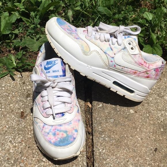 ae16ed710d Nike Shoes   Cherry Blossom   Poshmark